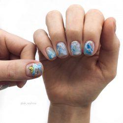 Креативный дизайн на ногтях